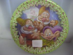 Snow white paper plates. 10 per pack. & Snow white paper plates. 10 per pack. - Fun Creations