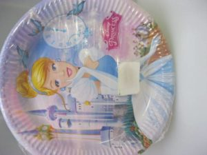 Cinderella paper plates 23cm 8 per pack & Cinderella paper plates 23cm 8 per pack - Fun Creations