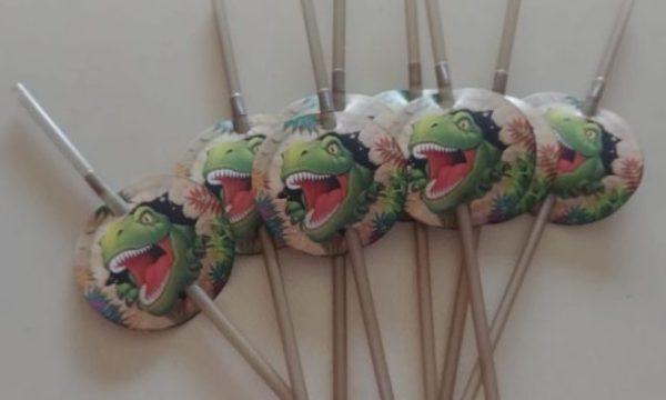 Dino blast dinosaur straws 8 per pack.
