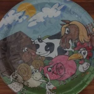 Farm animal paper plates 10 per pack.
