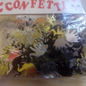 Wild animal table confetti.