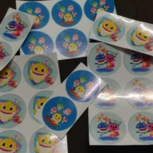 Baby shark stickers 4 cm assorted