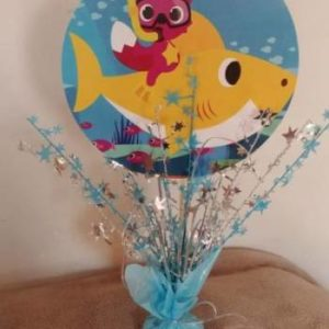 Baby shark center piece 39 cm