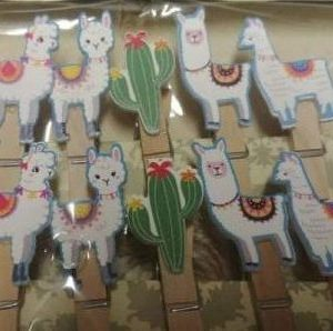Lama wooden clips 10 per pack.